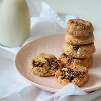 Cookies de chocolate, avelã e coco