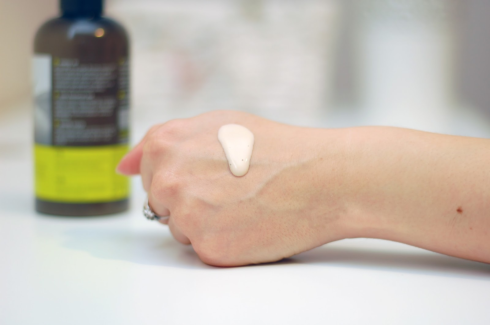Tołpa, Eco Spa, Witalność, Rewitalizujące mleczko - olejek przywracające jędrność ciała blog