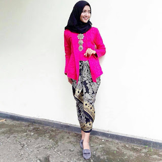 Kebaya Warna Pink Fanta