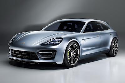2017 Porsche Panamera side image