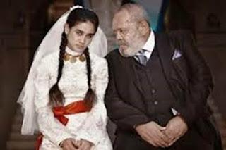العادات الاجتماعية والحاجة المادية تجبر الفتيات على الزواج بسن الطفولة