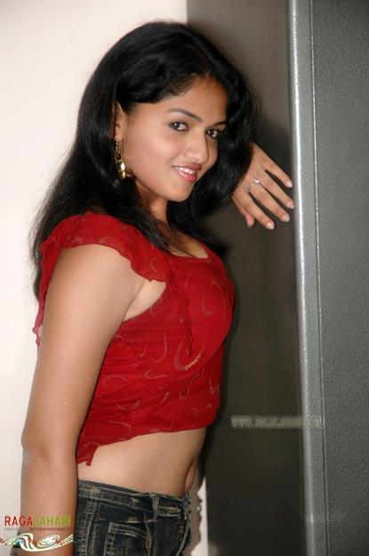 Indian Actress Sunaina Boobs Press And Black Bra Visible