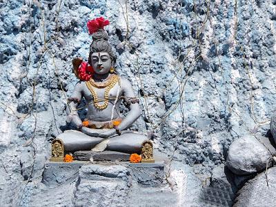 lord-shiva-sitting-in-himalaya