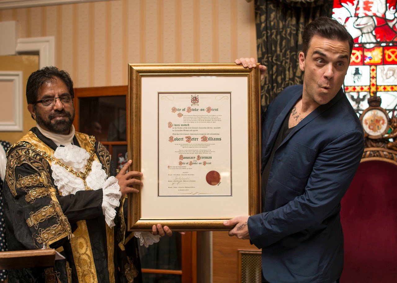 Robbie Williams Freedom of Stoke-on-Trent | numerosette.eu