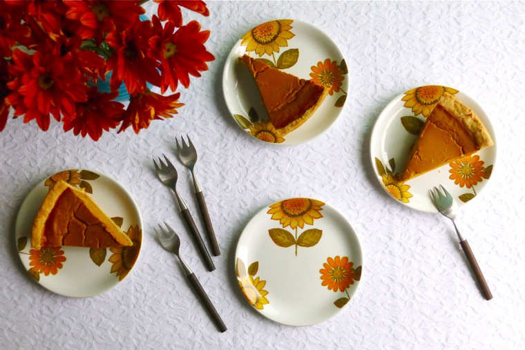 Alfred Meakin Sunflower plates, Meakin Ironstone plates, Meakin plates, Ironstone plates, pumpkin pie, mums