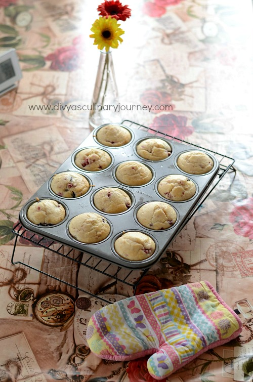 egg less mixed berry muffins