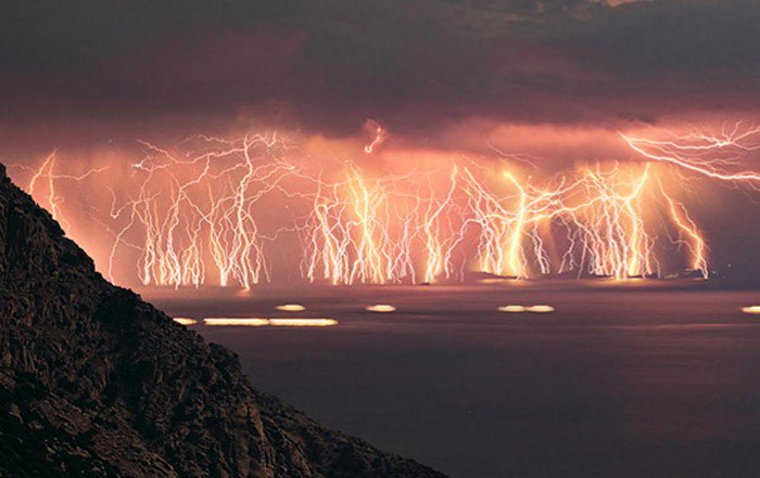 Venezuelan Lightning Storm Lasts 160 Days A Year, 10 Hours A Night In The SAME PLACE