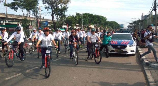 Menko PMK Sosialisasikan Asian Games dan Hidup Sehat dengan Bersepeda
