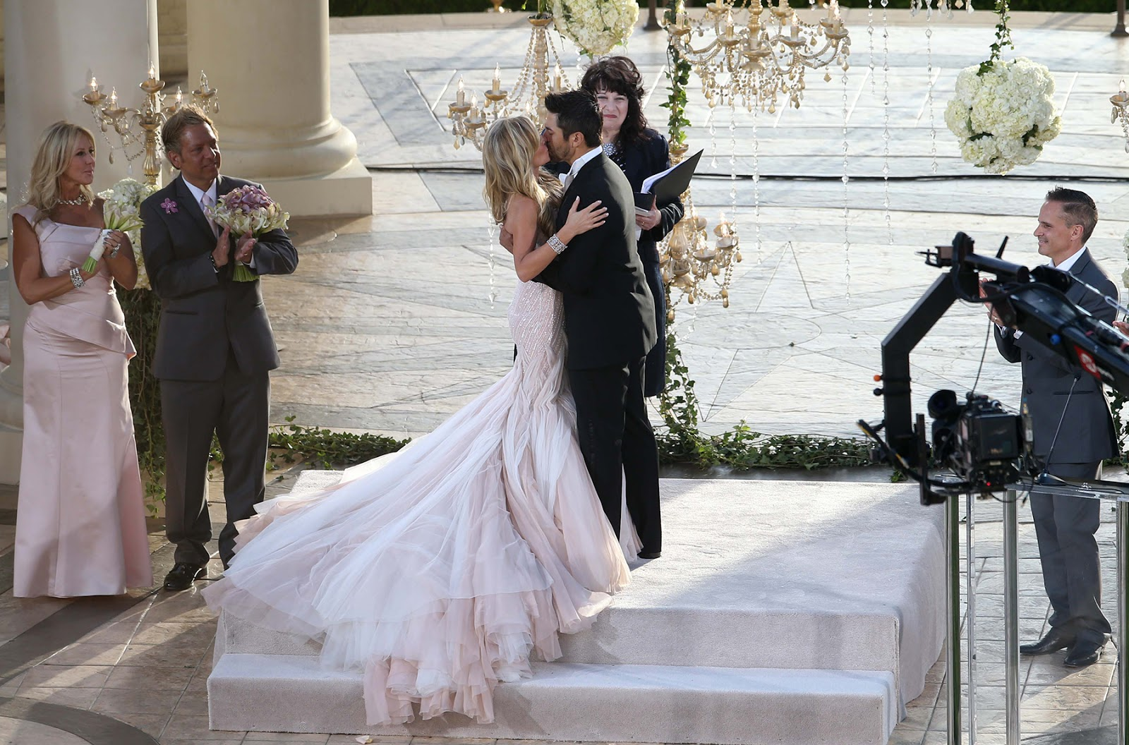 The Serendipitist: Real Housewife Of Orange County Weds