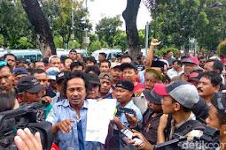 Terbongkar! Ternyata Sopir Angkot Di Tanah Abang Diancam Dan Dipaksa Oknum Untuk Mendemo Anies-Sandi