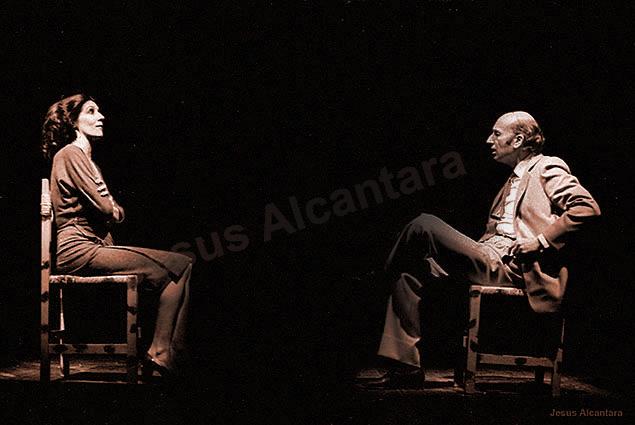 """Concha Velasco - Adolfo Marsillach en """"Yo me bajo en  la próxima... ¿Y usted? Fotografía Jesus Alcantara."""