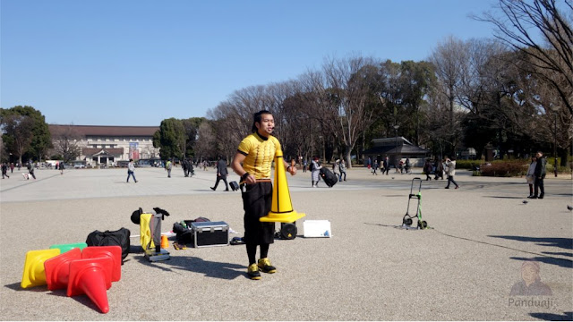 street attraction at Ueno Park