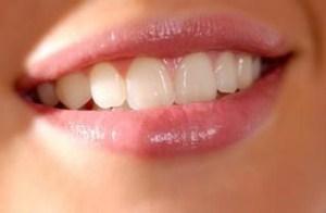 Manfaat minyak zaitun untuk melembabkan bibir