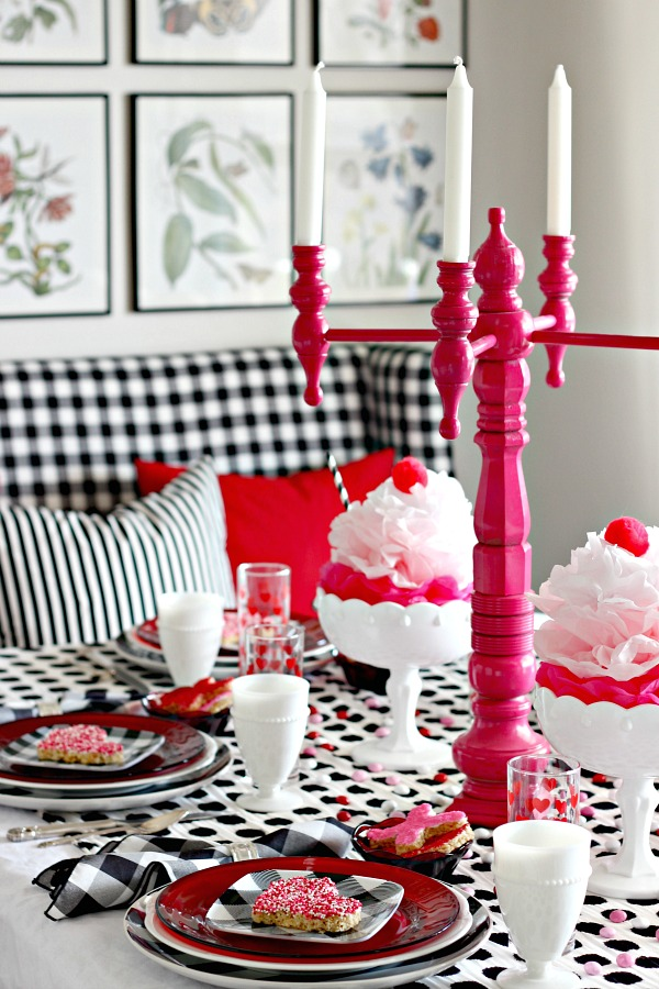 Valentine's Day decorations, Valentine's Day Table, Ice cream party decorations