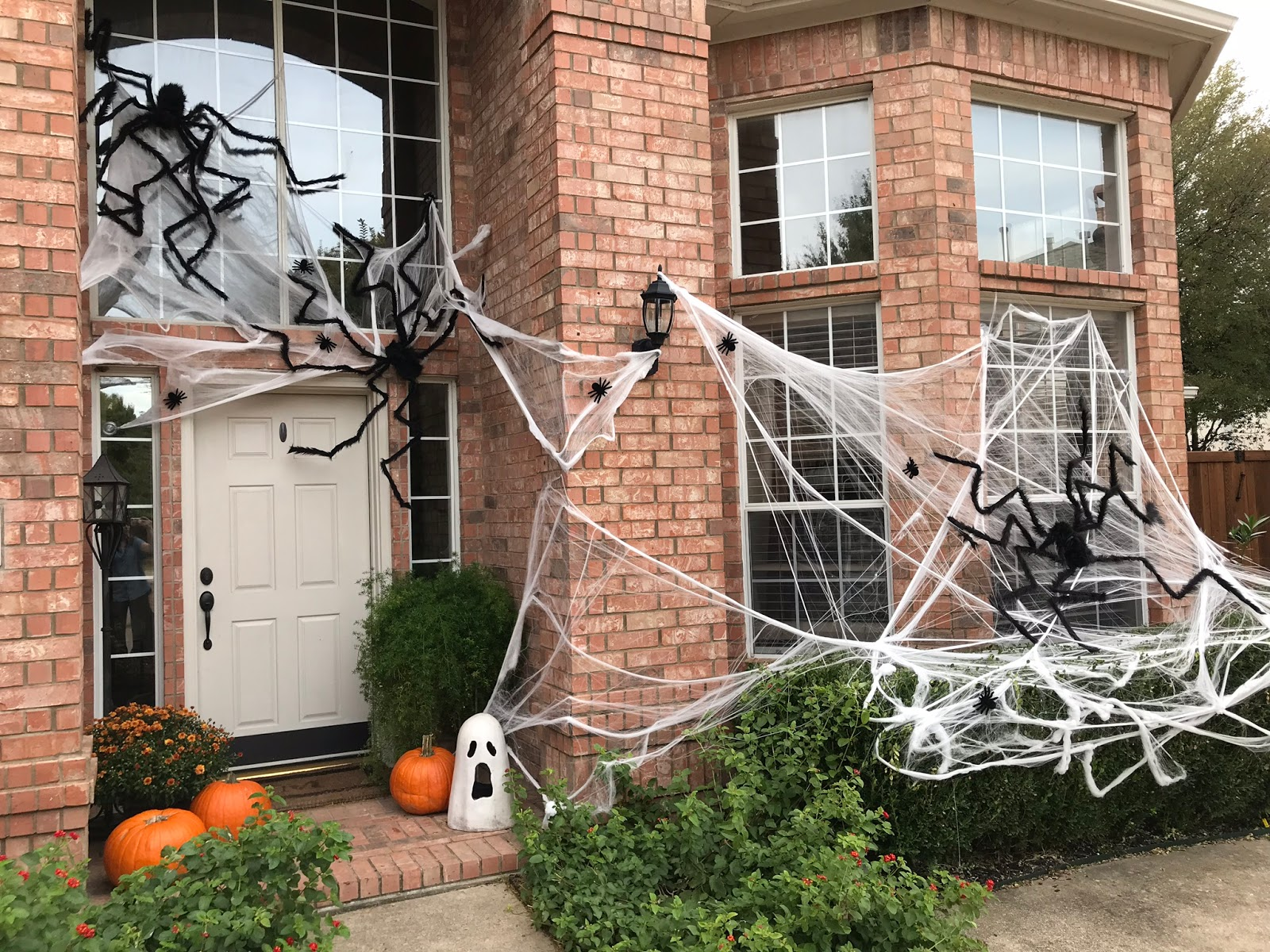 Spooky House | Momfessionals | Bloglovin'