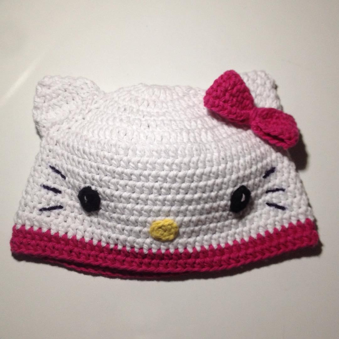 Crochet and Other Stuff: Hello Kitty Hat - free crochet pattern
