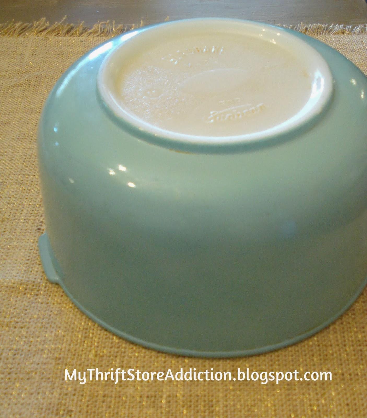 Vintage Sunbeam Glasbake mixing bowl