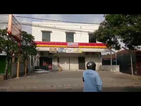 Detik-detik Rubuhnya Alfamart Saat Gempa di Lombok