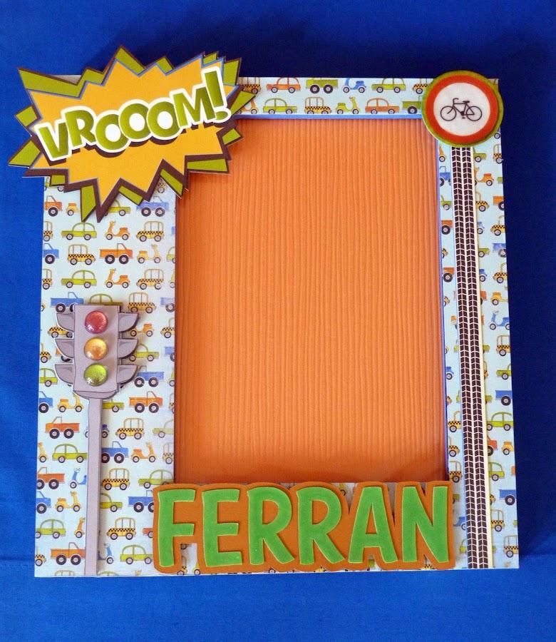http://scrapapers.blogspot.com.es/2013/08/marco-para-ferran.html