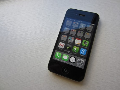 Địa chỉ thay màn hình iPhone 4S uy tín