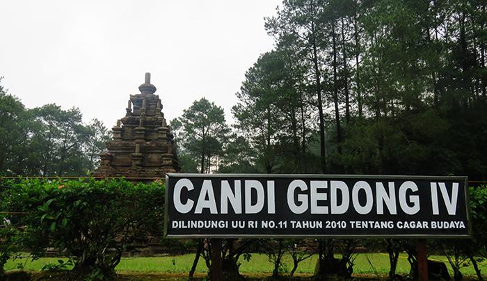 Candi Gedong IV