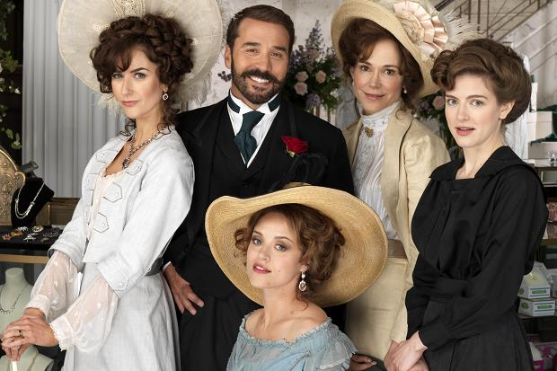 0ad4a1043ee1 Doesn t Jeremy Piven look thrilled to be surrounded by those gorgeous women
