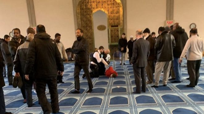 Police-arrest-a-man-on-suspicion-of-stabbing-the-muezzin
