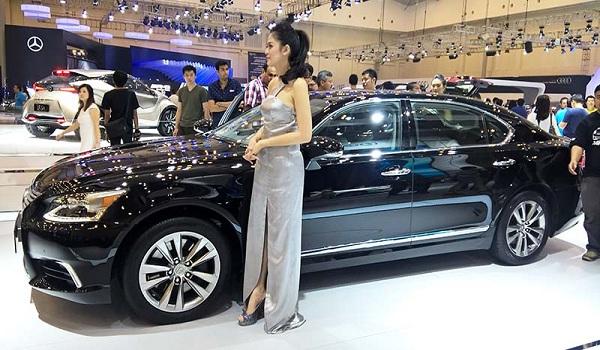 SPG Mobil di GIIAS 2015