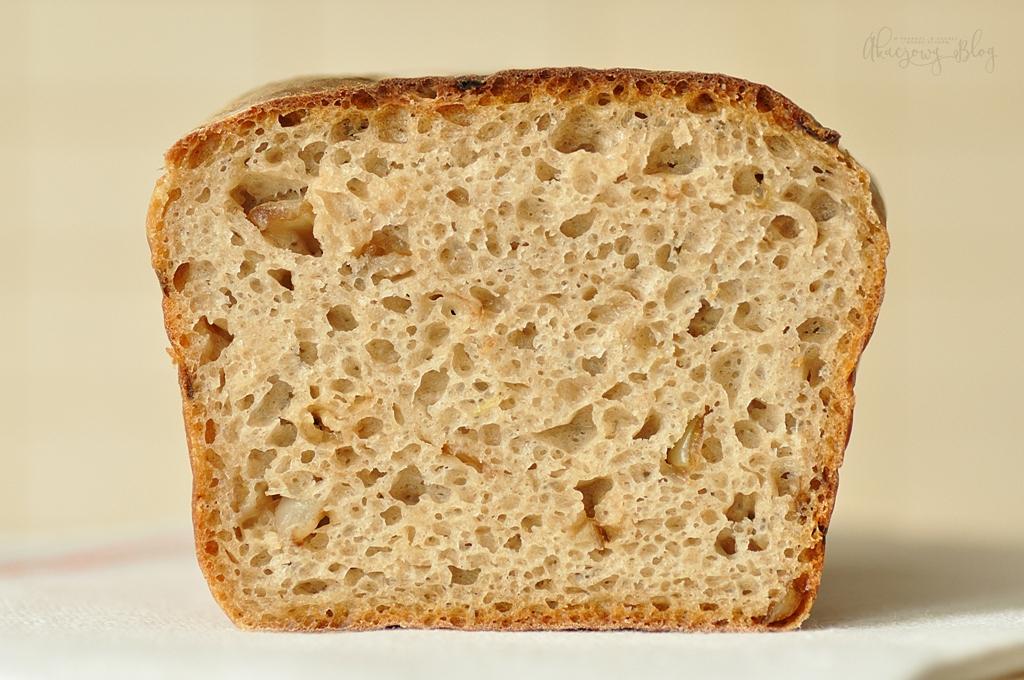 Chleb pytlowy na zakwasie z dodatkiem cebuli i tymianku