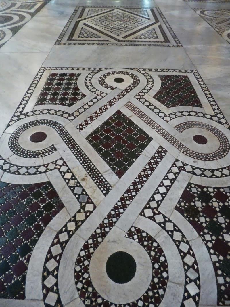 Pavimento cosmatesco da Basílica de Santa Maria Maior