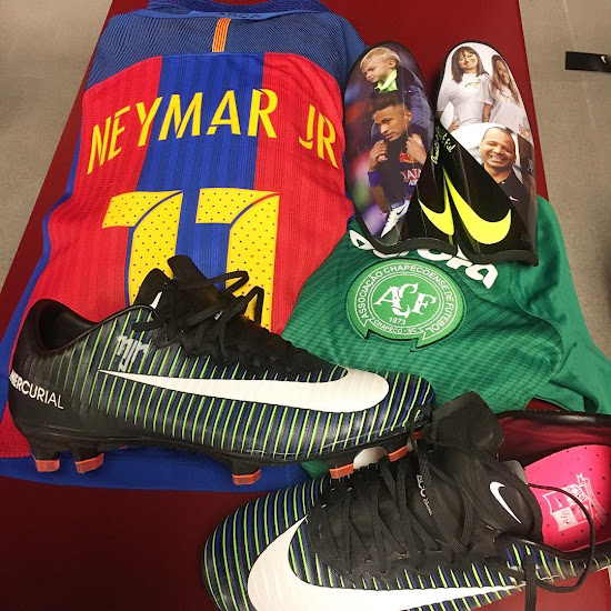 e4ba4b2c8525 BREAKING  Neymar Shows Off Nike Mercurial Vapor 11 Boots - Footy ...