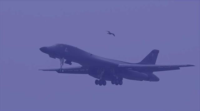 Clash of the Titans. membandingkan pembom strategis Tu-160 dan B-1B