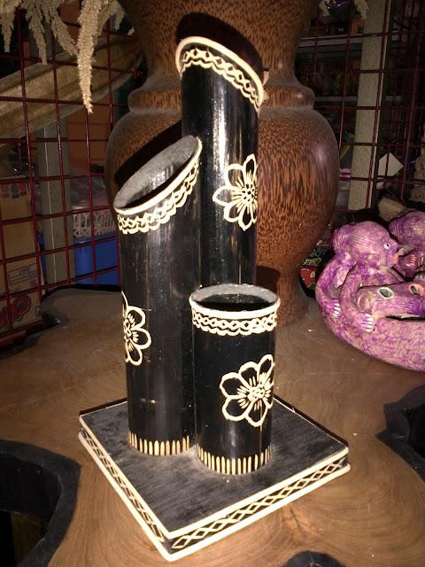 Vas bunga dari bambu