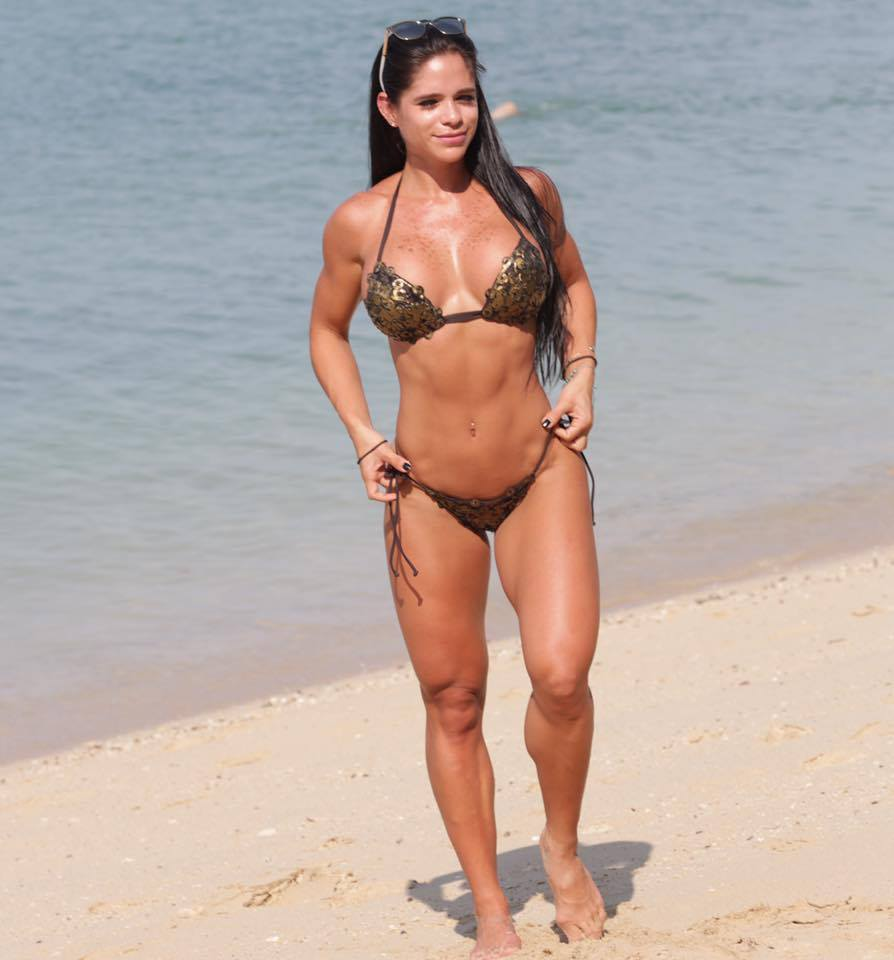 Michelle Lewin - Fitness Trainer | Facebook Hottie