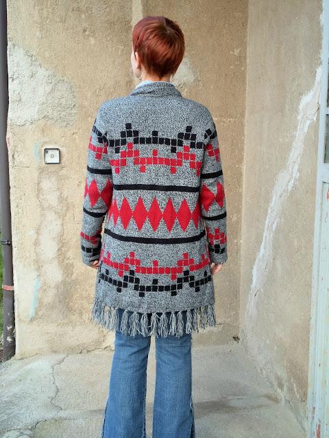 Tribal pattern or Tetris on this fringe cardigan?