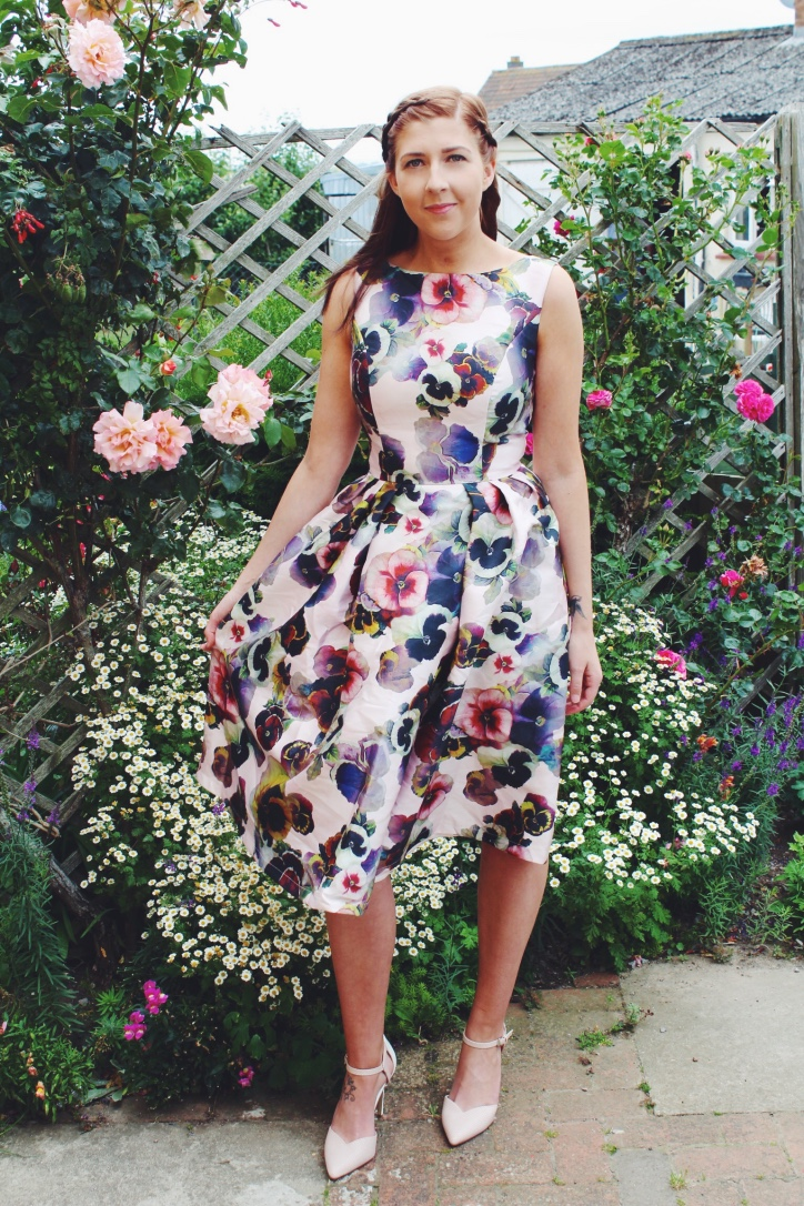 fashion, fashionbloggers, chichi clothing, chichilondon, floral dress, asseenonme, primark, roses, wiw, whatimwearing, asseenonme, lotd, lookoftheday, ootd, outfitoftheday, mididress, summerdress, summerfashion, fbloggers, fblogger