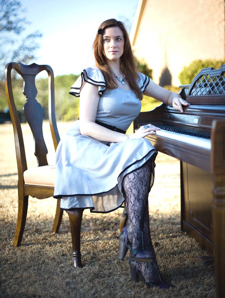 fashion tights skirt dress heels retro look