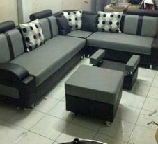 sofa ruangan direksi kantor