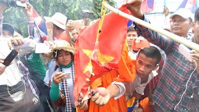 Thứ trưởng kiêm đại sứ và thất bại mang tên Campuchia