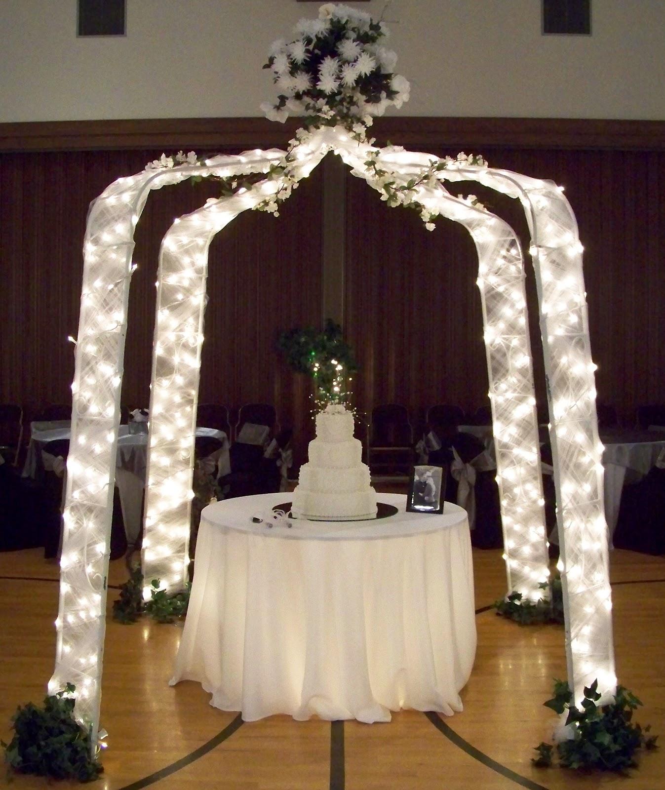 Silver Wedding Decoration: Runaway Bridal Planner: Black, White And Silver Wedding