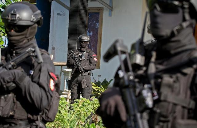 Polri Ringkus Terduga Perakit Senjata Teroris di Sumatera