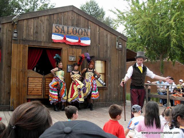 espectaculo saloon warner
