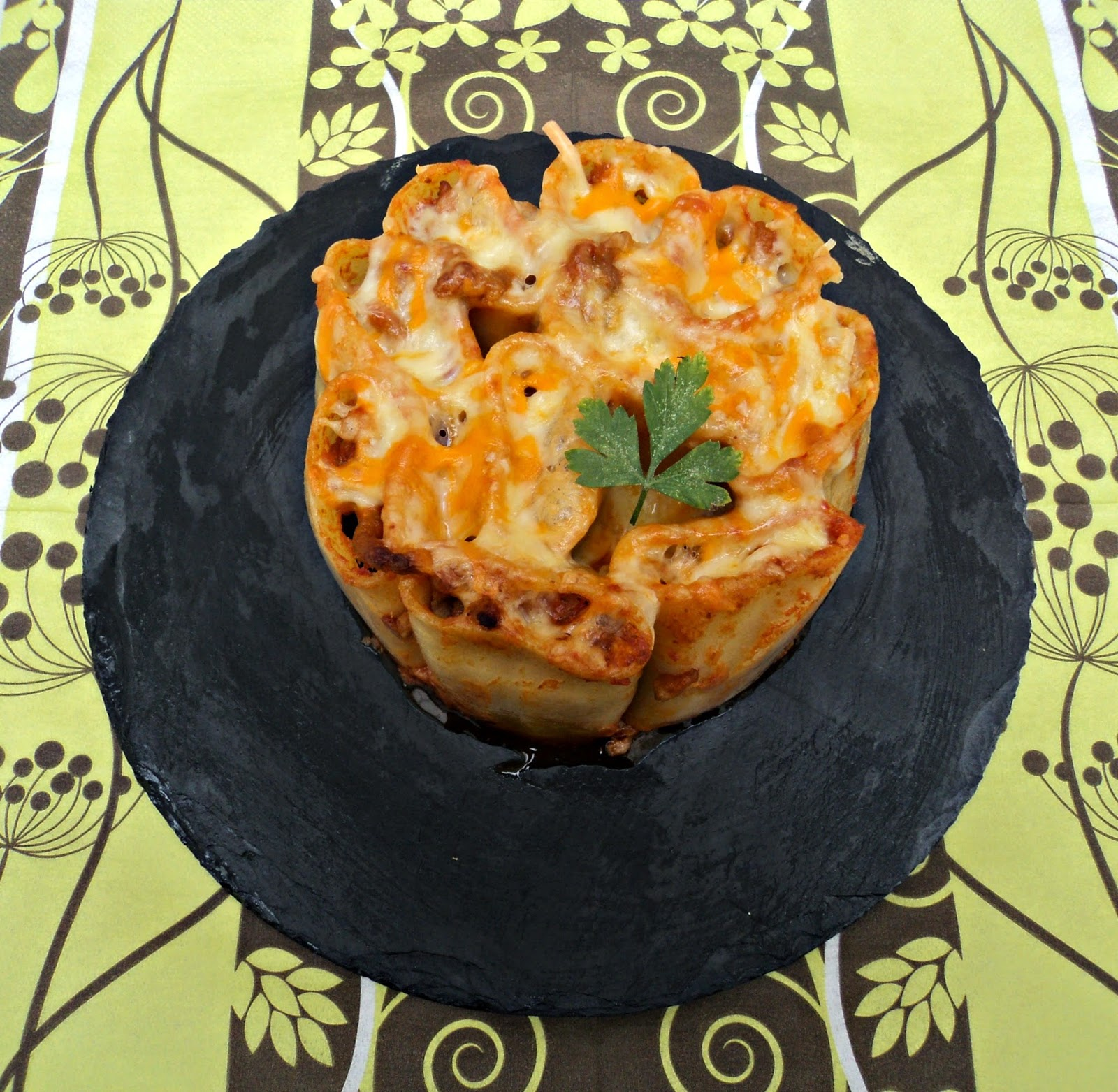tarta-paccheri-macarrones-plato