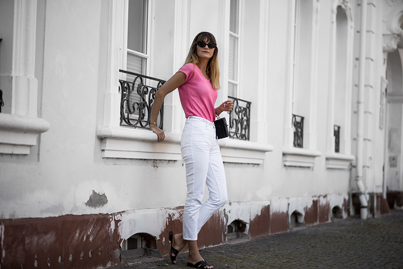 vintage-crochet-top-whowhatwear-fashionardenter-blogueuse-mode-lorraine-white-cropped-jeans-nakd