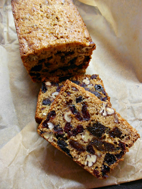 Whole grain and naturally dried fruit, Everyday Fruitcake.