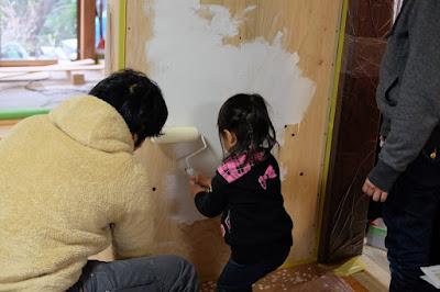 長野 伊那シェアハウス ワークショップ見学 みんなで塗装