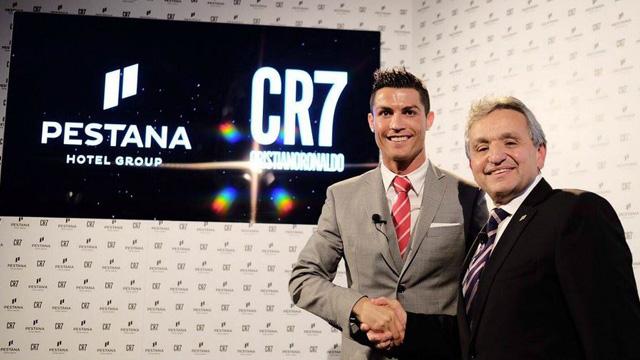 [Foto] Ronaldo Luncurkan Hotel Keduanya Dengan Investasi 218 Milliar Rupiah