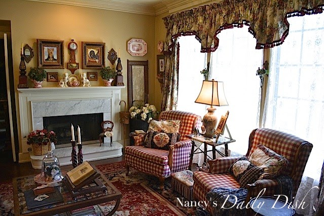 Nancy's Daily Dish: English Cottage Living Room - Before ...