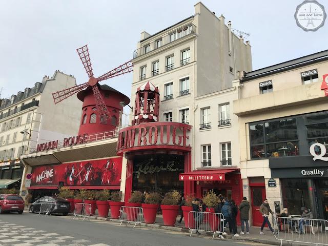 Paris, França Moulin Rouge