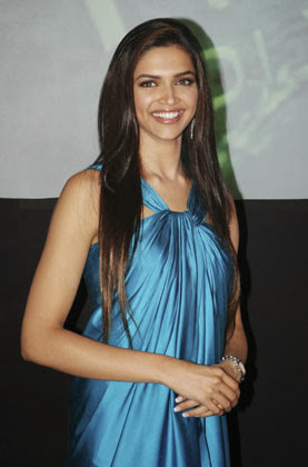 Makeup Dresses and Hairstyle of Deepika Padukone